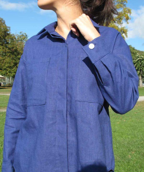 vêtement femme chemise couture lin bleu createur annecy prêt à porter bouton manche