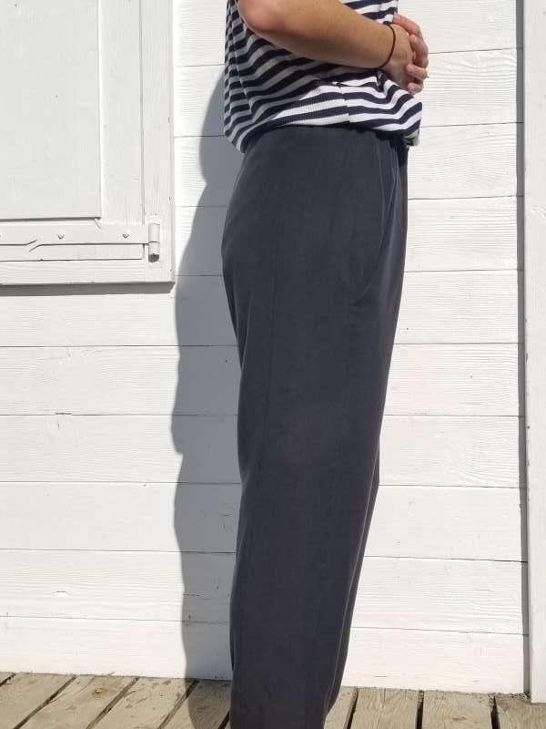 vêtement femme pantalon couture tencel noir profil createur annecy