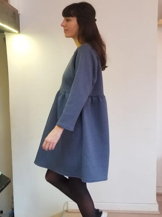 vetement-femme-robe-dory-bleu-jean-vetement-femme-createur-annecy-pretaporter-profil