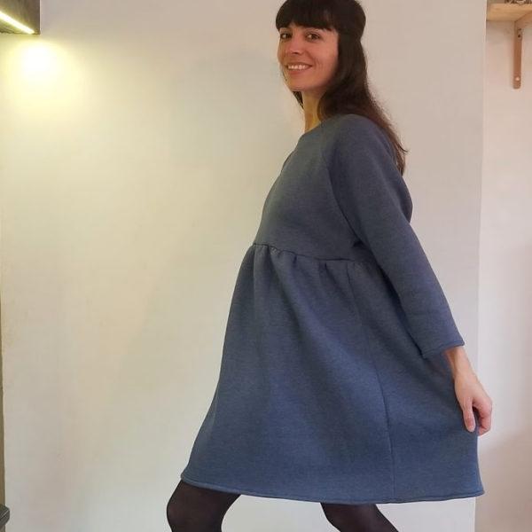 vetement-femme-robe-dory-molleton-bleu-jean-createur-annecy-profil