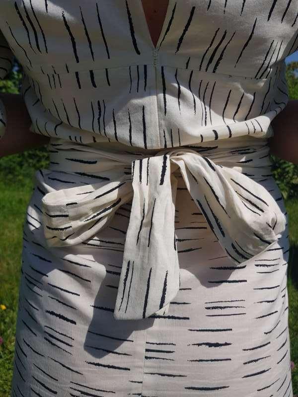 vêtement femme robe kim couture dos noeud créateur annecy pret à porter