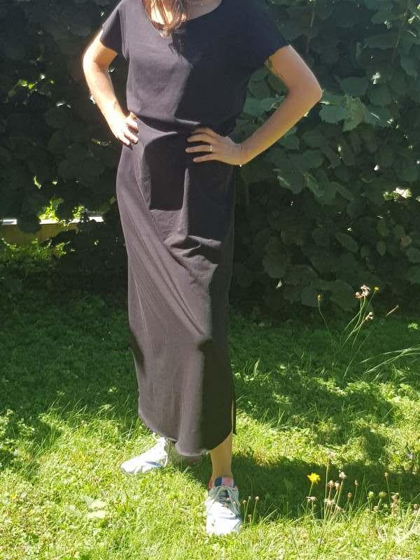 vêtement femme robe nicole couture jersey noir créateur annecy pret à porter devant