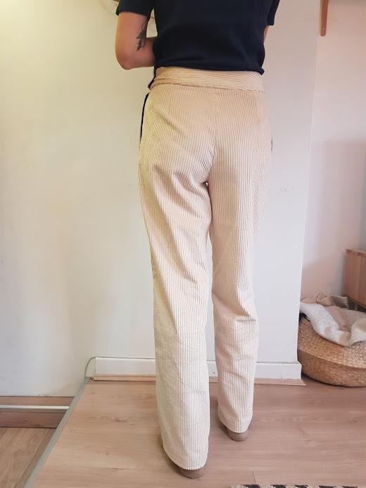 vetement-femme-pantalon-velours-vetement-femme-createur-annecy-pretaporter-dos